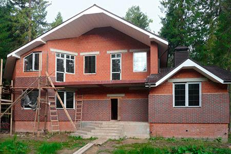 Монтаж клинкерных термопанелей на новое здание